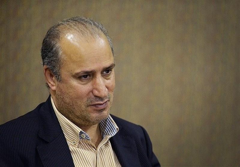 حاشیه دیدار ایران - بولیوی، واکنش مهدی تاج به حضور بانوان در استادیوم آزادی