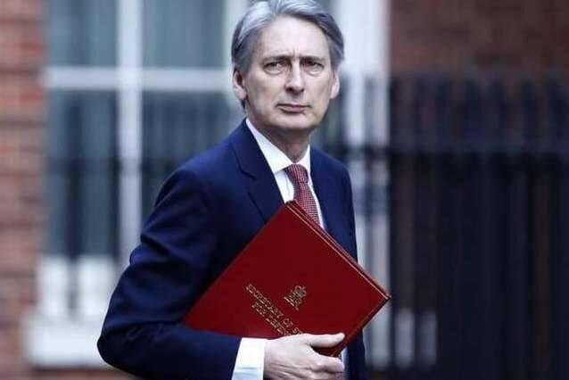 وزیر سابق انگلیس: جانسون را شکست می دهیم