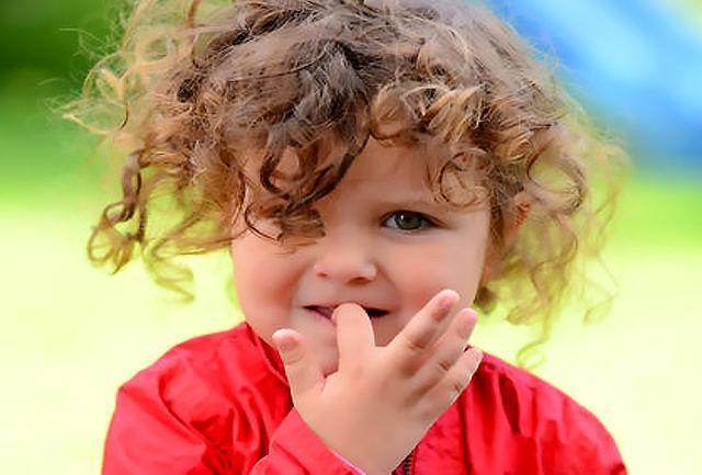 عواملی که جویدن ناخن در بچه ها را تشدید می نماید