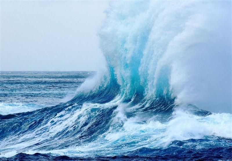 تشکیل موج های 3 متری در خلیج فارس و دریای عمان تا انتها هفته