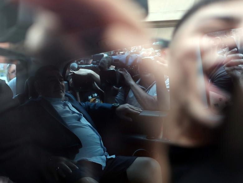 فیلم، مارادونا به دیدار رئیس جمهور می رود