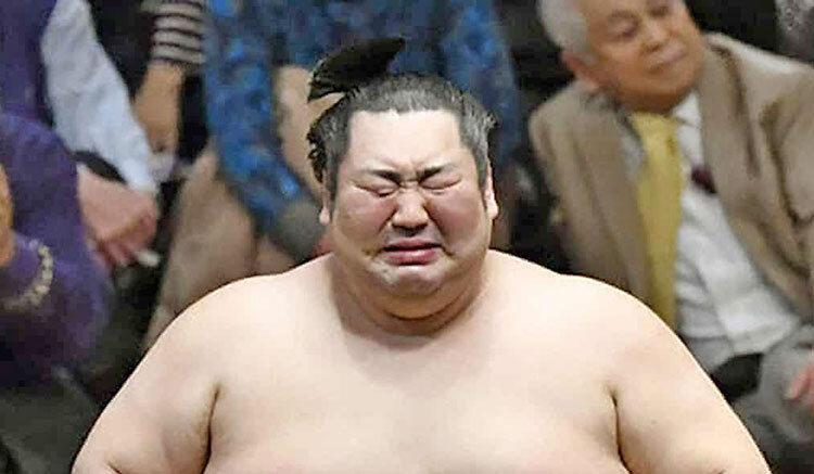 گریه غول 188 کیلویی سومو پس از قهرمانی عجیب در جام امپراتوری ژاپن