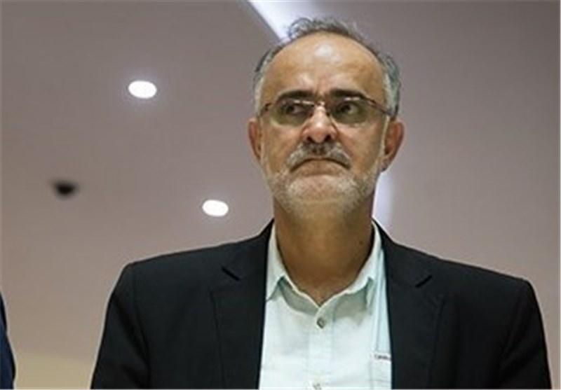 نبی: در نامه فیفا به فدراسیون فوتبال مطلقاً به تعلیق اشاره نشده است، تاوان سخنان احساسی را کل فوتبال ایران می دهد