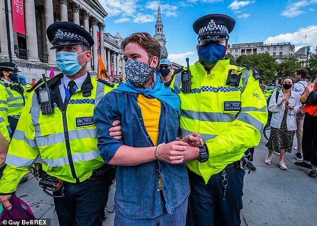 بازداشت بیش از 600 فعال محیط زیست در انگلیس