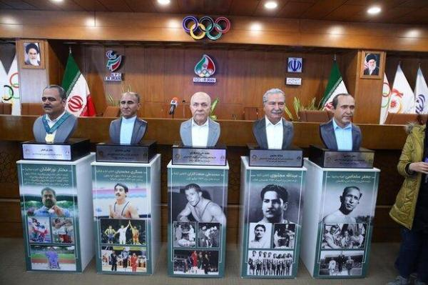 قول قهرمان کشتی برای اهدا مدال، رونمایی در تندیس پنج قهرمان ورزش