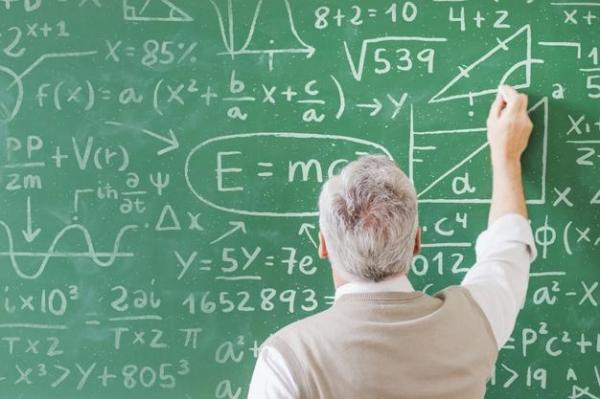 خوب و بد مطالبات اساتید حق التدریس ، وعده ها، جوانان را چشم انتظار استخدام می گذارد