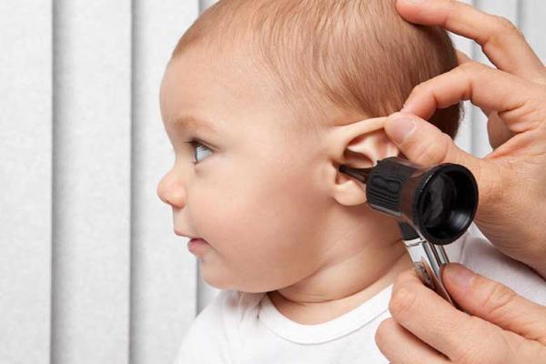چرا عفونت گوش در بچه ها شایع است؟