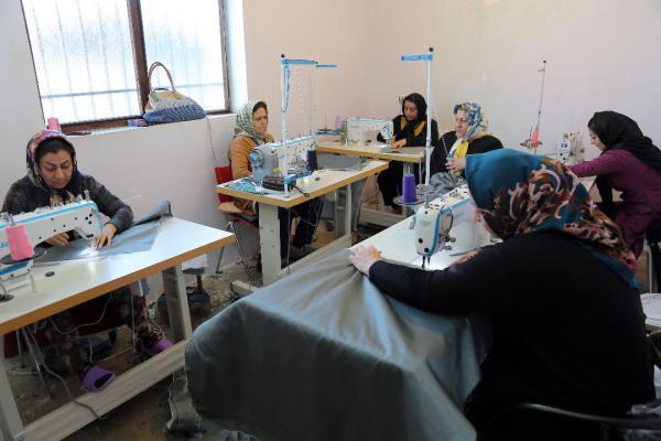 بنیاد برکت در 19 شهرستان و 211 روستای استان گلستان فعال است، برکت گلستان با 17 هزار شغل