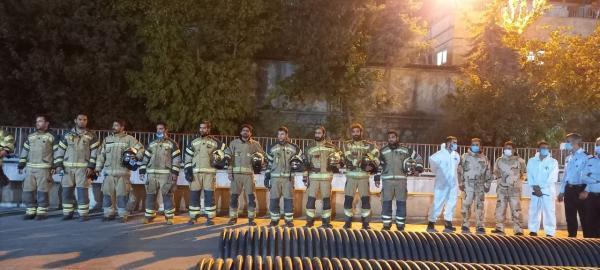 تقدیر از آتش نشان های ایستگاه 27 آتش نشانی شهر تهران